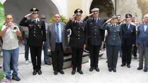 - Il deposito della corona ad Arco con la presenza delle Autorità delle Forze dell Ordine mentre si suona il silenzio in memoria delle vittime